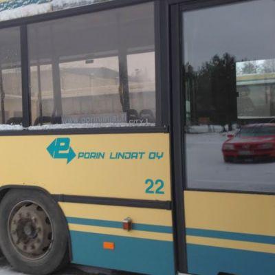 Porin Linjojen ensimmäinen Virossa vuonna 2008 peruskunnostettu ja maalattu bussi on vieläkin hyvässä kunnossa.
