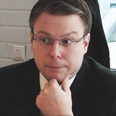 Kansanedustaja Vesa-Matti Saarakkala.