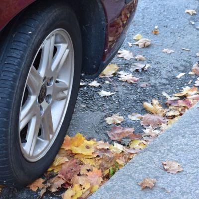 Auton eturengas.