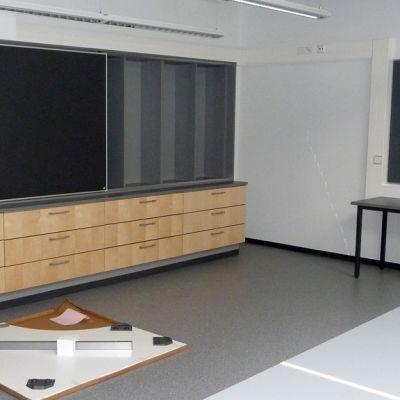 Kuvassa Koivuhaan koulun tuliterä luokkahuone kesällä 2011