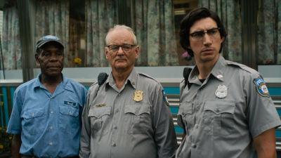 """Bild från filmen """"The Dead Don't Die"""" där skådespelarna Danny Glover, Bill Murray och Adam Driver syns."""