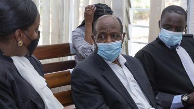 Hotel Rwanda-hjälten Paul Rusesabagina i rätten i Rwanda.