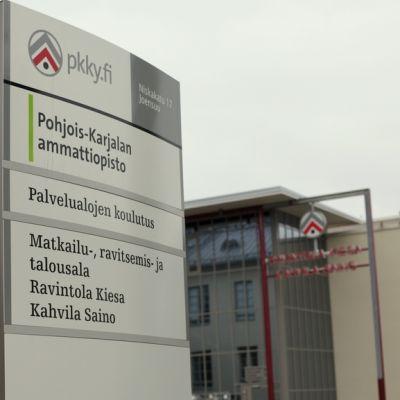 Pkky:n ammattiopiston Niskalan kampuksen kyltti.