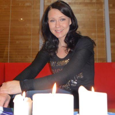 Laulaja Saija Tuupanen
