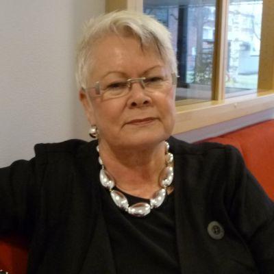 Kuopion Rouvasväen yhdistyksen toimitusjohtaja Eija Vähälä.