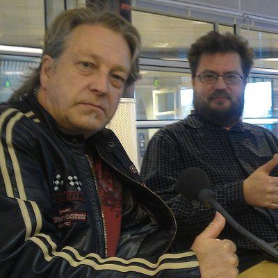 Kuorosotalaiset Timo Rönkä ja Antti Taipale