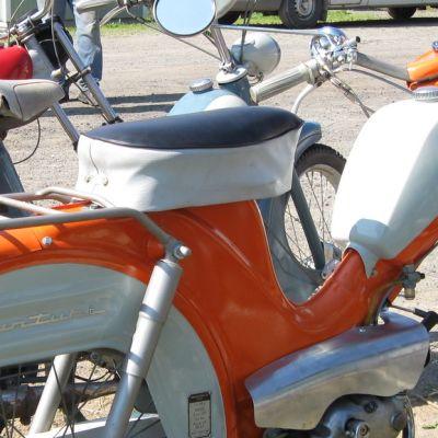 Entisöity Tunturi-mopedi.