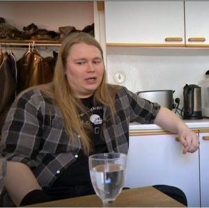 Koomikko Juuso Kekkonen ja Stradan Marjut Tervola.