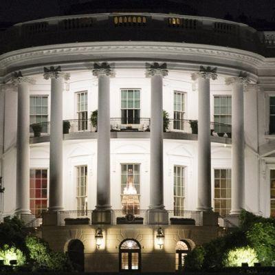 Valkoisen talon odotetaan kommentoivan Manafortin antautumista FBI:lle