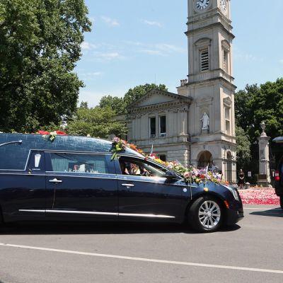 Muhammad Alin hautajaiskulkue kuvassa