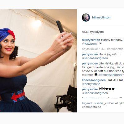 Kuvakaappaus Hillary Clintonin Instagram tililtä jossa Hillary ja muusikko Kate Perry ottavat yhteisselfie.