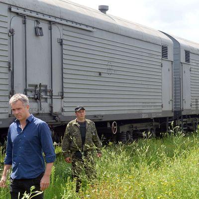 Pudotetun malesialaiskoneen uhreja kuljettava juna saapui Harkovaan tiistaina 22. heinäkuuta 2014.
