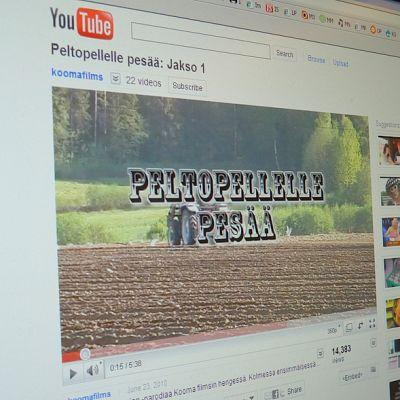 """Kooma-filmsin nettiparodia """"Peltopellelle Pesää"""" kerää kävijöitä netissä."""