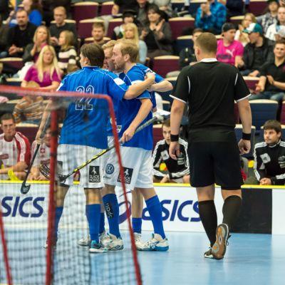 Jani Kukkola, Mika Moilanen ja Lauri Kapanen juhlivat maalia.