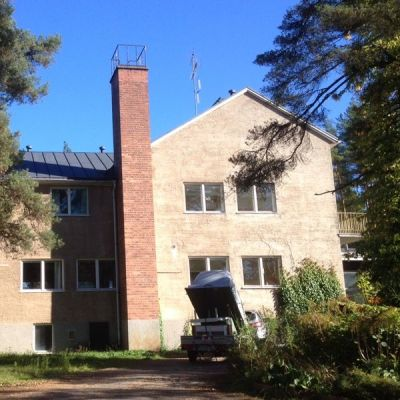 Harjulinnan vastaanottokeskus Siuntiossa avaa ovensa turvapaikanhakijoille ensi viikolla.