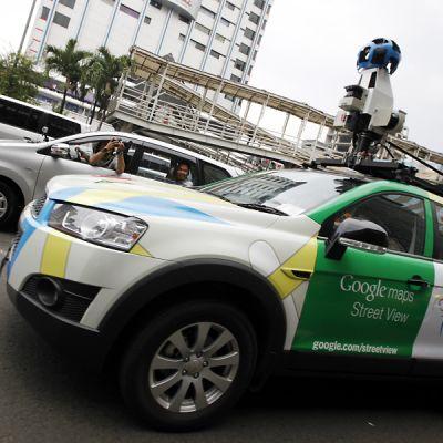 Googlen street view -auto kuvaamassa Indonesian pääkaupungissa Jakartassa.