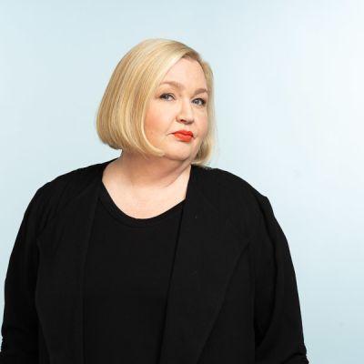 Kuvassa toimittaja Regina Rask