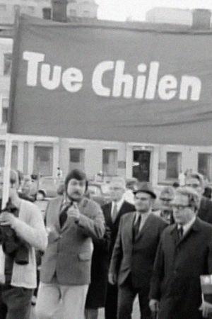 Chile-aiheinen mielenosoitus Helsingin Senaatintorilla vuonna 1974.