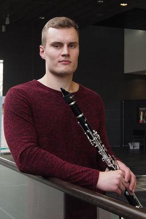 Klarinetisti Elias Numminen.