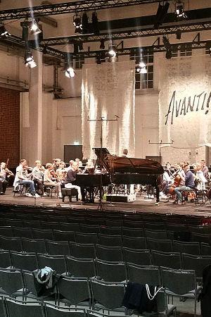 Avanti-kamariorkesteri harjoittelee Porvoon Taidetehtalla 2015.
