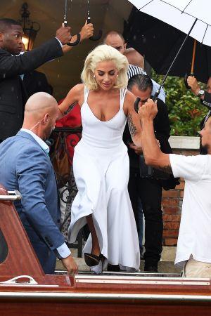 Lady Gaga Venetsian elokuvajuhlilla.