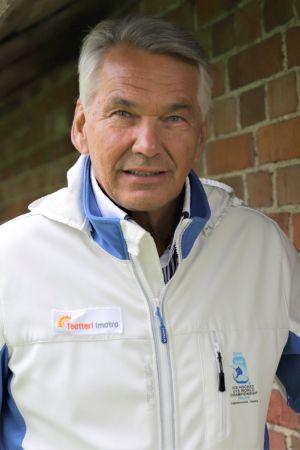 Näyttelijä Pekka Räty.