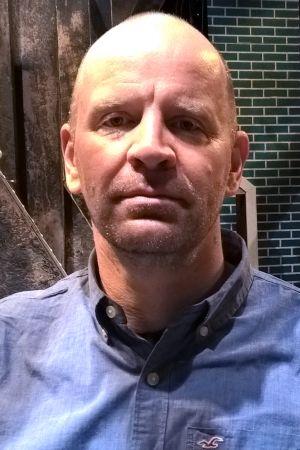 - Seinäjoen kaupunginteatterin taiteellinen johtaja Christian Lindroos.