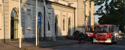 Porin taidemuseo tulipalon jälkeisenä aamuna
