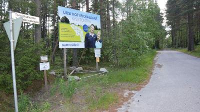Bostadsstiftelsen Asuntosäätiö säljer tomteri Störsvik-Pickala.