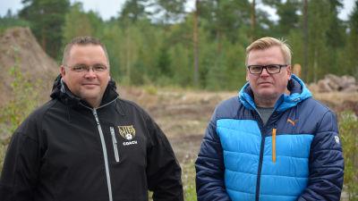 Jyrki Määttä är ordförande för IIF fotboll och Carol Österberg är tränare.