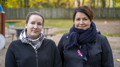 Tiina Oksanen och Merja Hellbom från Mannerheims barnskyddsförbunds lokalförening i Karis.