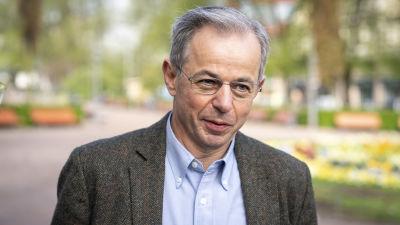 David Klenermann Esplanadin puistossa.