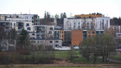 Ganla och nya hus i Nickby centrum