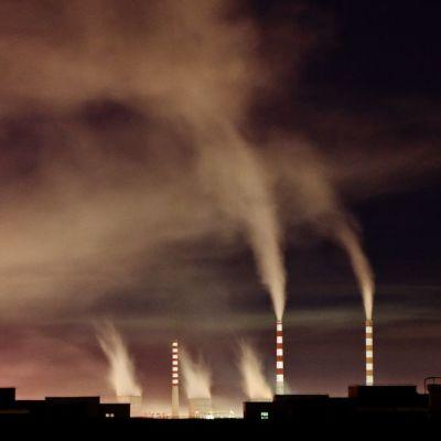 Hiiltä hyödyntävä energialaitos Kiinan Changchungissa valokuvattuna syyskuussa 2010.