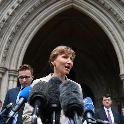 Marina Litvinenko antamassa lausuntoa Lontoossa 31. heinäkuuta.