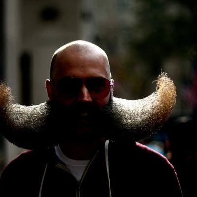 Kansallisen parta- ja viiksipäiväkilpailun osanottaja 6. marraskuuta New Yorkissa.