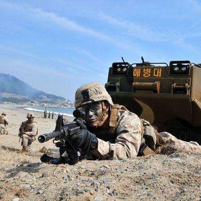 Yhdysvaltain ja Etelä-Koran merivoimien yhteinen harjoitus Pohangissa, Seoulin kaakkoispuolella, 31. maaliskuuta. Pohjois-Korea on ilmoittanut tekevänsä uusia ydinkokeita.