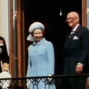Kuningatar Elisabet Linnan parvekkeella. Mukana myös Urho Kekkonen. (1976)