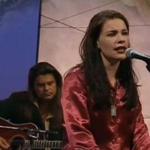 Hanna Pakarinen esiintyy Suurella sydämellä -ohjelmassa 1997.