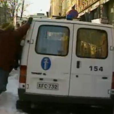 EU:n vastainen mielenosoitus Helsingissä (1999).