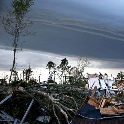 Tornadon hajoittama talo.