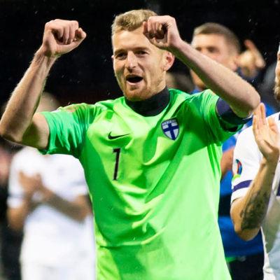 Fotbollslandslaget tackar publiken (kolumnstämpel).