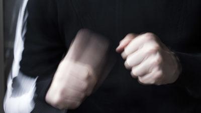 Väkivaltaiset kädet.