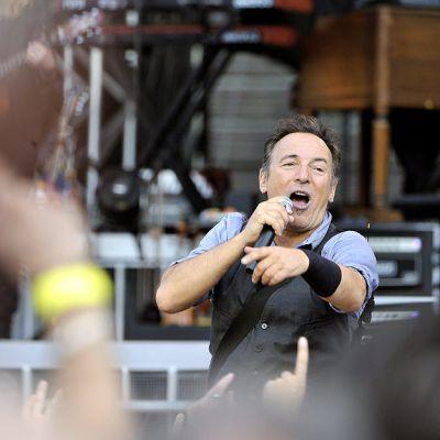 Bruce Springsteen ja E Street Band esiintyvät Helsingin Olympiastadionilla.