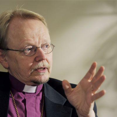 Arkkipiispa Kari Mäkinen Helsingissä 10. joulukuuta 2012.