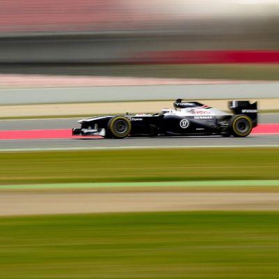 Valtteri Bottas testaa Williamsin F1-autoa Barcelonassa