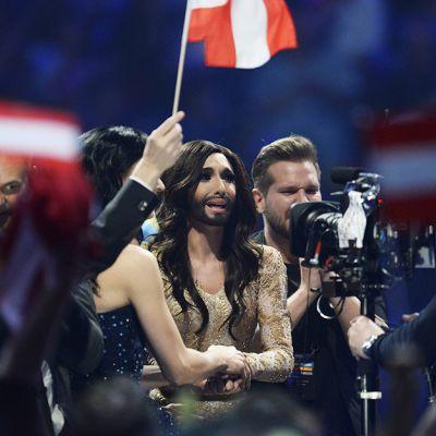 Conchita Wurst jännitti Euroviisufinaalin pistelaskentaa 10. toukokuuta.