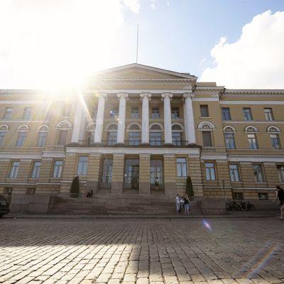 Helsingin yliopiston päärakennus 26. toukokuuta 2014.