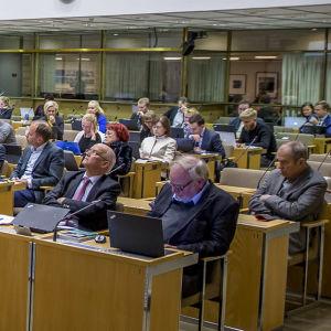 Helsingfors stadsfullmäktige på sitt möte.