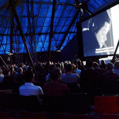 Ruotsalaisen ohjaajan Jan Troellin elokuva 'Dom över död man' esitetiin Sodankylän elokuvajuhlilla 14. kesäkuuta.